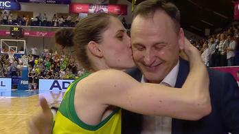 Örömében szerelmet vallott játékosának a soproni kosáredző