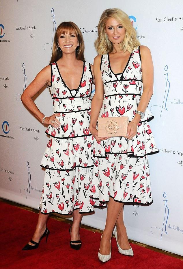Mindketten fantasztikusan festettek ebben a ruhában, annak ellenére, hogy alapvetően a stílusuk nem is lehetne különbözőbb.