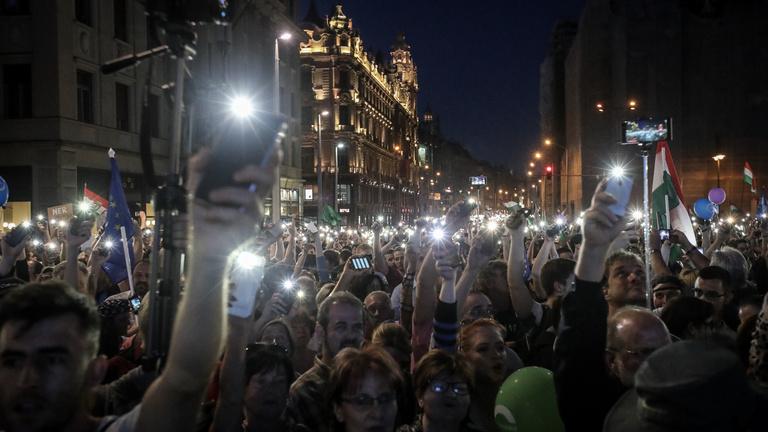 Május 8.-án tartják az újabb kormányellenes tüntetést