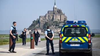 Kiürítette a francia rendőrség Mont-Saint-Michelt