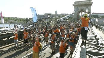 Rengetegen bringáztak a bringás Budapestért