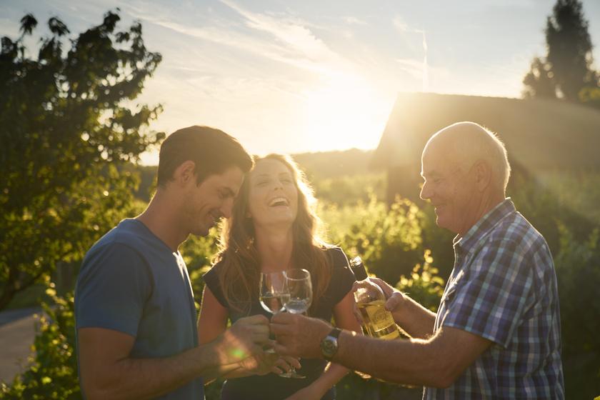 Csarterberg Weinverkostung Weingarten (c) Burgenand Tourismus Pe