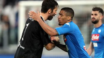 Buffon a Napoli összes játékosának gratulált a vereség után