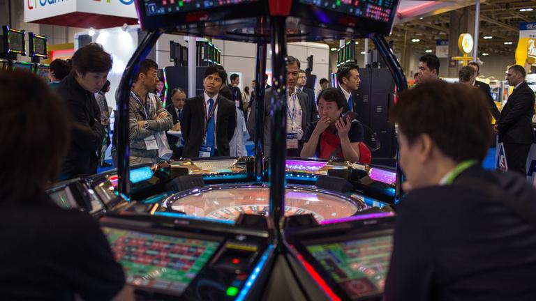 Nagyüzemben mossák a pénzt a kínaiak egy rulettes módszerrel