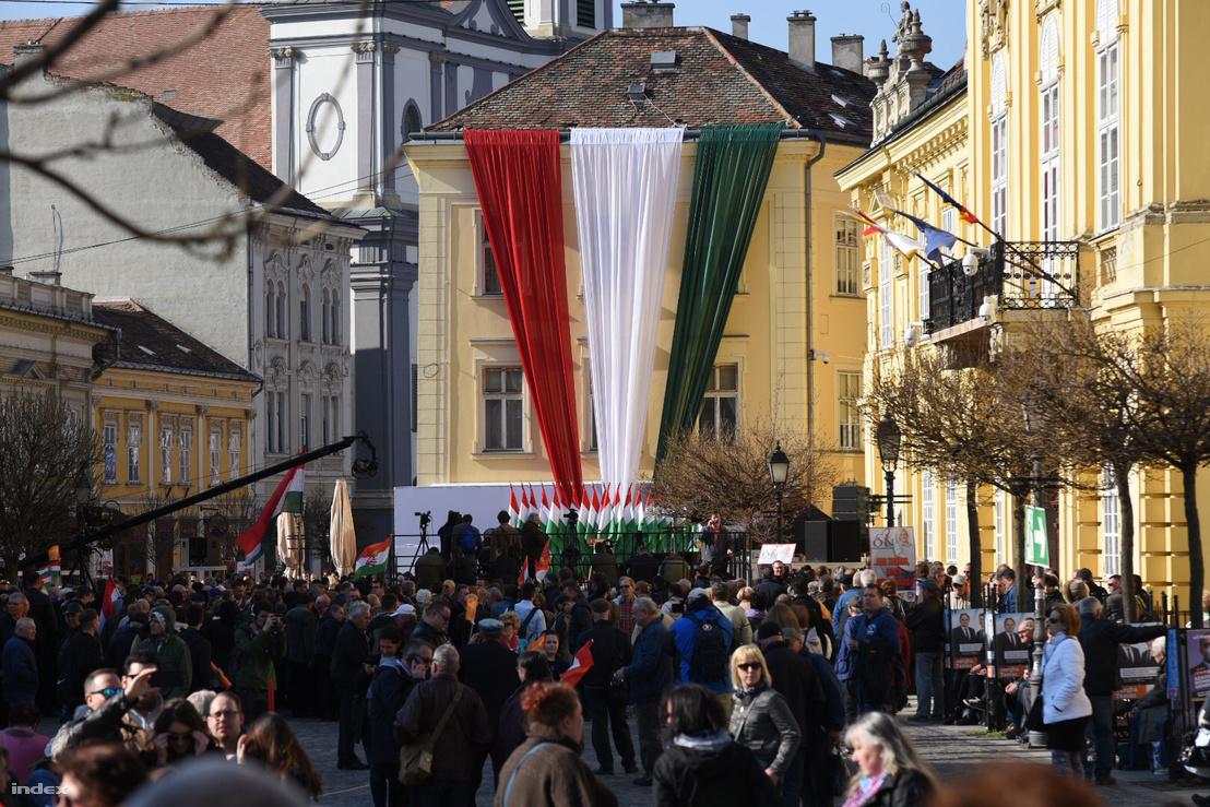 A Fidesz kampányzáró rendezvénye Székesfehérváron, a Városház téren 2018. április 6-án.