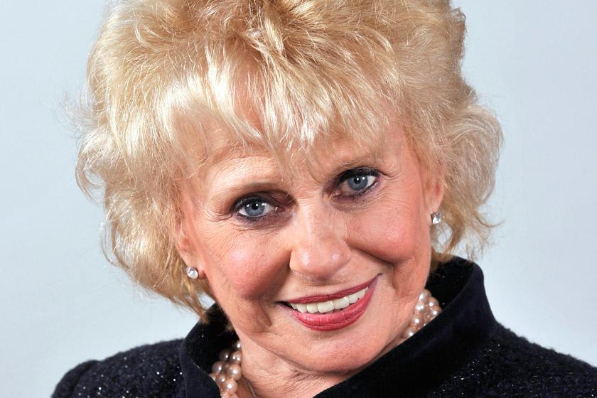 Esztergályos Cecília 75 évesen is gyönyörű - Ámulunk friss fotóján