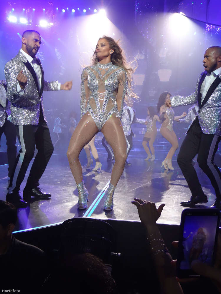 Jennifer Lopez bizonyára úgy érezné, hogy nem mutatott eleget, ha nem mutatott meg mindent.