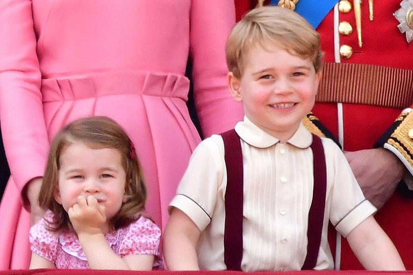 György herceg és Charlotte meglátogatták az új kisöcsit - Ilyen cuki fotó készült róluk