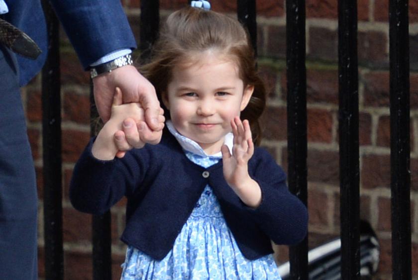 Ilyen nagy kislány lett már a kis Charlotte - szinte hihetetlen, mekkorát nőtt.