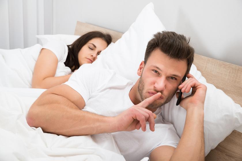Hamis alibifotók és titkos tartaléktelefon – Félrelépők árulták el, hogyan tartották titokban a viszonyukat