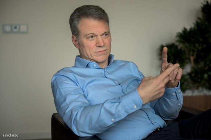 Christopher Mattheisen