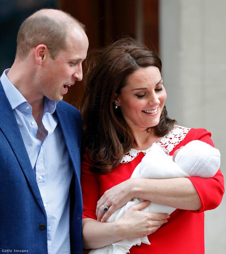 Elég izgalmas volt a hétfője a királyi háznak és persze a család rajongóinak is