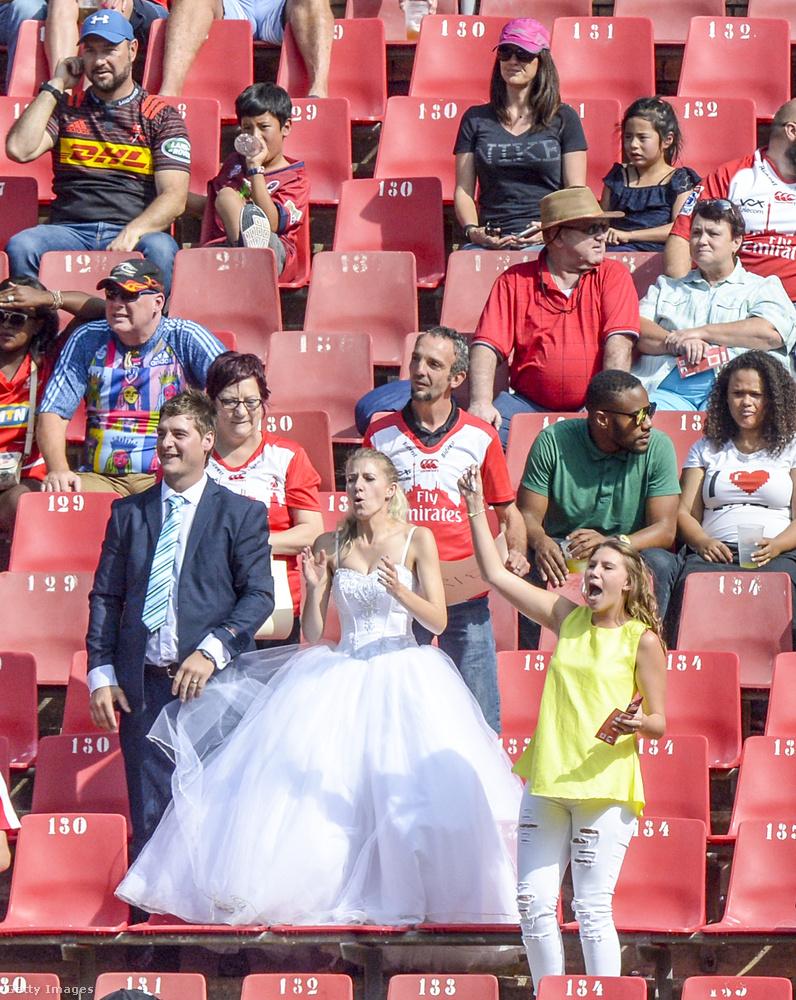 A helyszín Dél-Afrika, azon belül Johannesburg, azon belül pedig az Emirates Lions és a Crusaders nevű csapatok közötti rögbimeccs