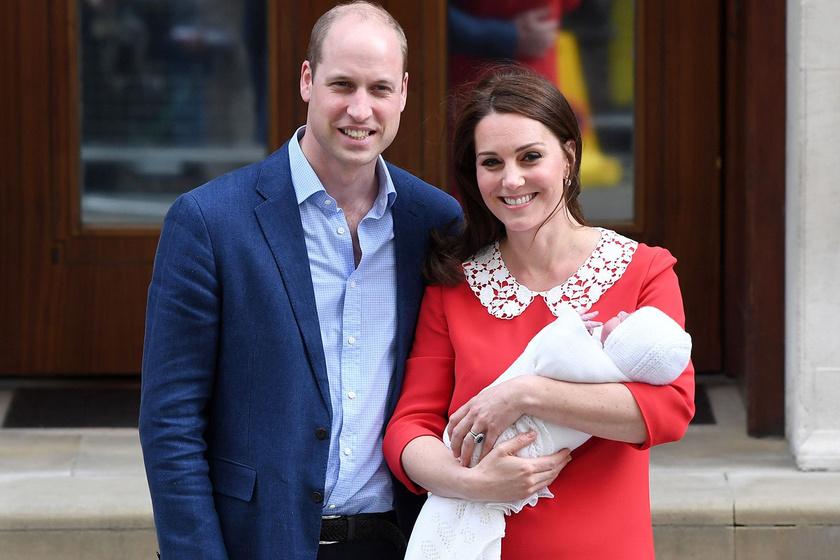 Így hasonlít a tesóira Katalin és Vilmos kisbabája - Ezen a képen teljesen egyformák