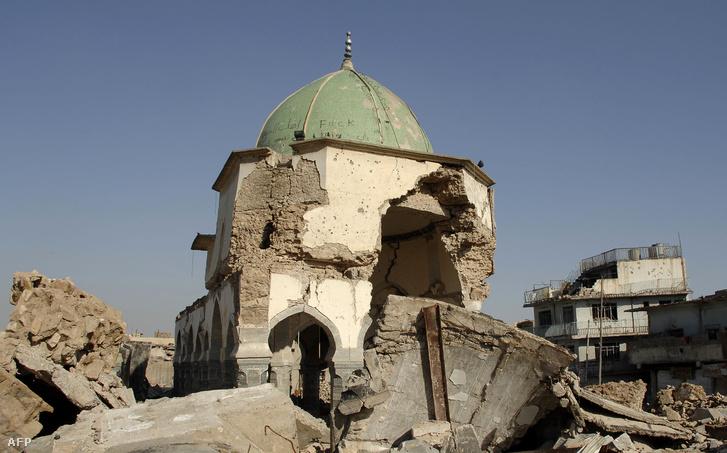 A felrobbantott al-Nuri mecset