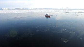 A korábban gondoltnál sokkal több a mikroműanyag az arktiszi jégben