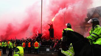Kritikus állapotban a Liverpool-drukker, akit megtámadtak a Roma-szurkolók