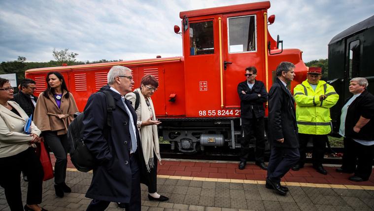 Az EP kinyomoztatná a magyar közbeszerzések tisztaságát