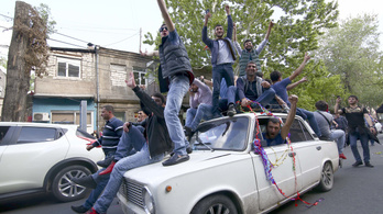 Új választást írnának ki Örményországban, hogy véget vessenek a válságnak