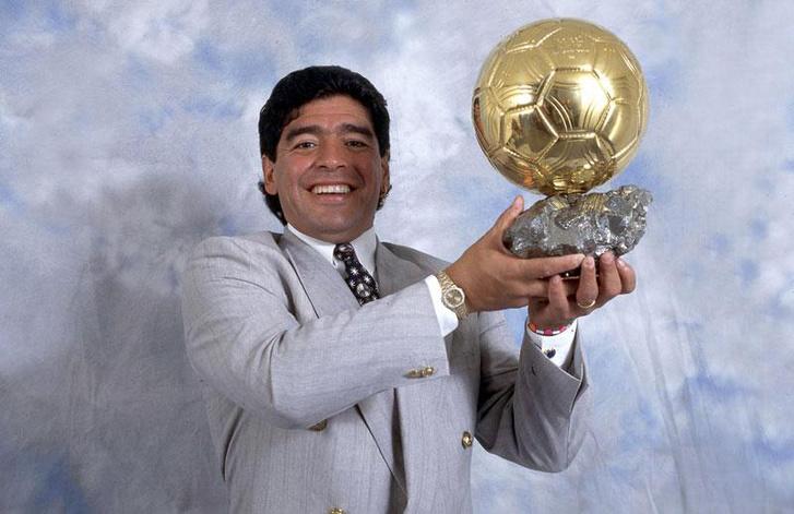 Maradona az Aranylabdájával 1995-ben