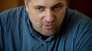 Sallai Róbert Benedek: Bazdmeg, ne mosolyogjál, mert pofán baszlak!