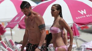 A Milan egykori sztárja Miamiben nyaral modellfeleségével