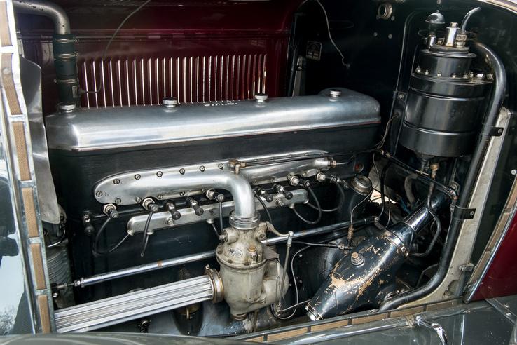 Hat henger, egy karburátor, kompresszor