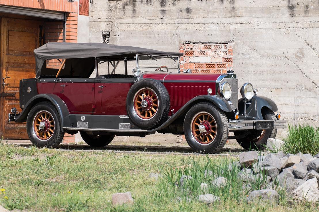 Ez volt az első Mercedes-típus, amelyet főleg a gyár látott el karosszériákkal, s nem külső műhelyek
