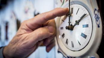Nem tudják leolvasni az időt az angol fiatalok az analóg órákról