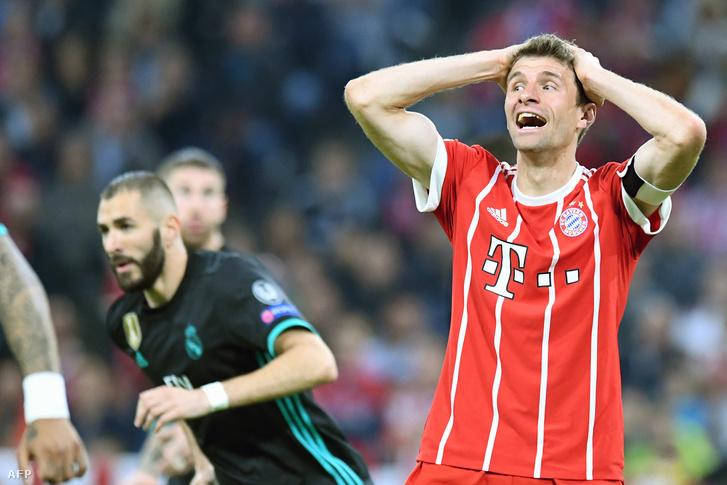 A Bayern-játékos Thomas Müller reakciója egy kihagyott helyzet után