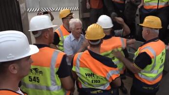 Hátulról rúgtak fejbe egy Ligetvédőt a Valton biztonsági őrei