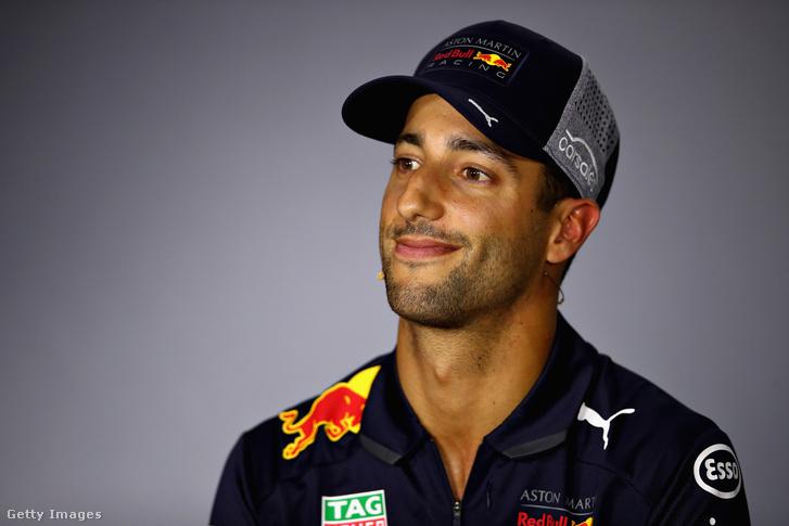 Ricciardo a sajtó előtt