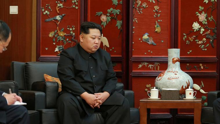 Az egész világ azt figyeli, ahogy Kim Dzsongun átlépi a vonalat