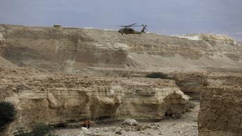 Kilenc túrázó kamasz halt meg egy sivatagi áradásban