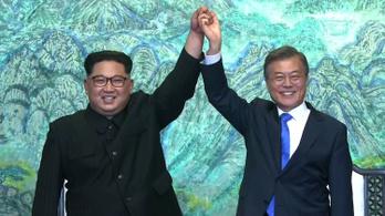 A teljes atommentesítés a két Korea célja, 65 év után békét kötnének