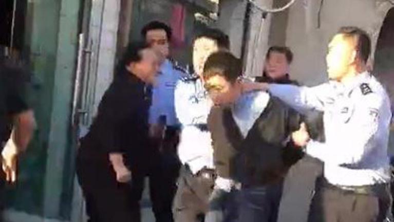Két tucat gyereket késeltek meg Kínában