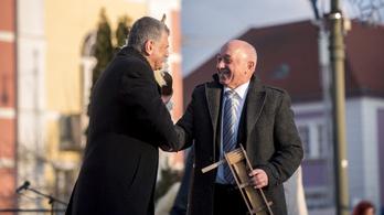 Ab: A mohácsi polgármester törvénytelenül kampányolt