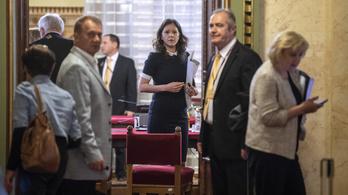 Szél Bernadett vezeti az LMP parlamenti frakcióját