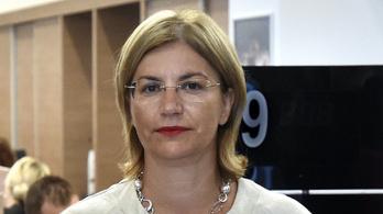 Furcsa hitellel folytatódik az új miniszter története