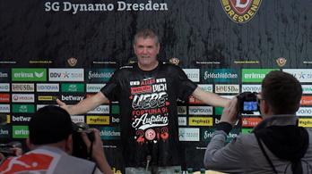Patakokban folyt a sör a Bundesliga-feljutás után