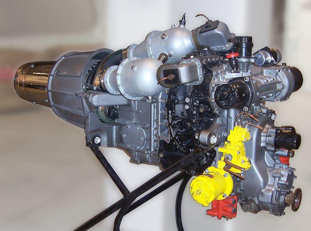 Fiat gázturbina (1954) A Fiat Turbina sebességváltó nélküli hajtóműve nagy hasonlóságot mutat a repülőgépek hajtóművével. A hatvanas évek elejére azonban már kompaktabb és hatékony hűtéssel rendelkező hajtóműveket építettek. A magas üzemanyag-fogyasztást azonban a nyolcvanas évek elejéig nem igazán sikerült kiküszöbölni.