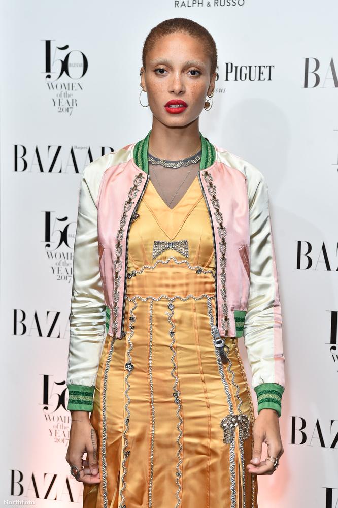 Ő pedig Adwoa Aboah, aki szintén egy brit modell