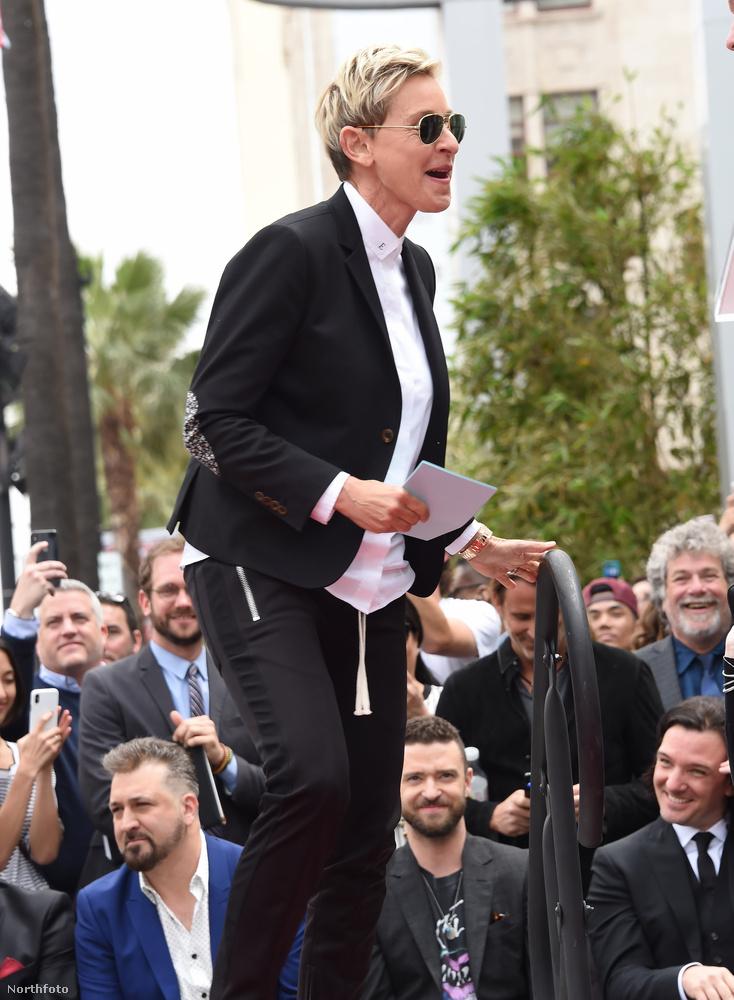 A beiktatási ceremónián beszédet mondott Ellen Degeneres, biztos nagyon vicceseket mondott.