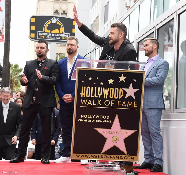 Justin Timberlake is mondott beszédet természetesen, de végre térjünk már rá arra, hogy ő mit viselt a hétfőn tartott ceremónián.