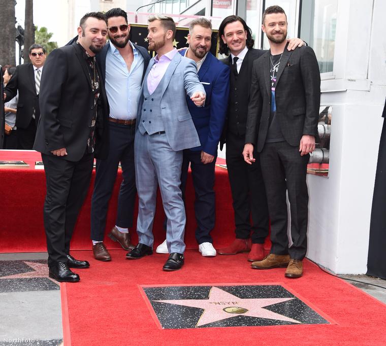 Valószínűleg nem ezt akarja mondani, hiszen úgyis régóta trend a celebek között legendaszámba menő együttesek pólóját viselni, szóval egyáltalán nem biztos, hogy Timberlake bármilyen különösebb üzenetet hozzáképzelt ehhez a trikóválasztáshoz