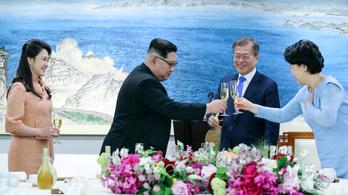 A láncdohányos Kim Dzsongun nem gyújtott rá a csúcstalálkozón
