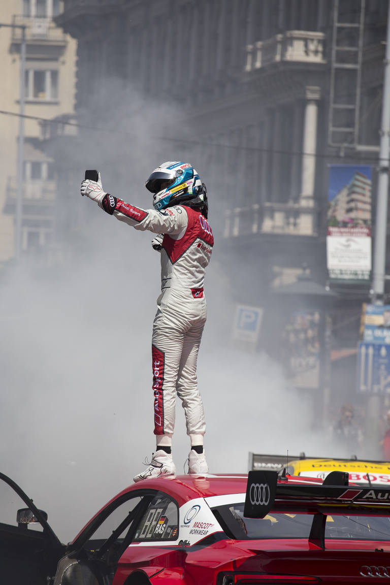 René Rast, a DTM bajnok, szelfikirály, showman