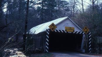 A GPS dönthet romba egy amerikai hidat