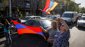 Ellenzéki tüntetők megbénították a fővárosi közlekedést Örményországban