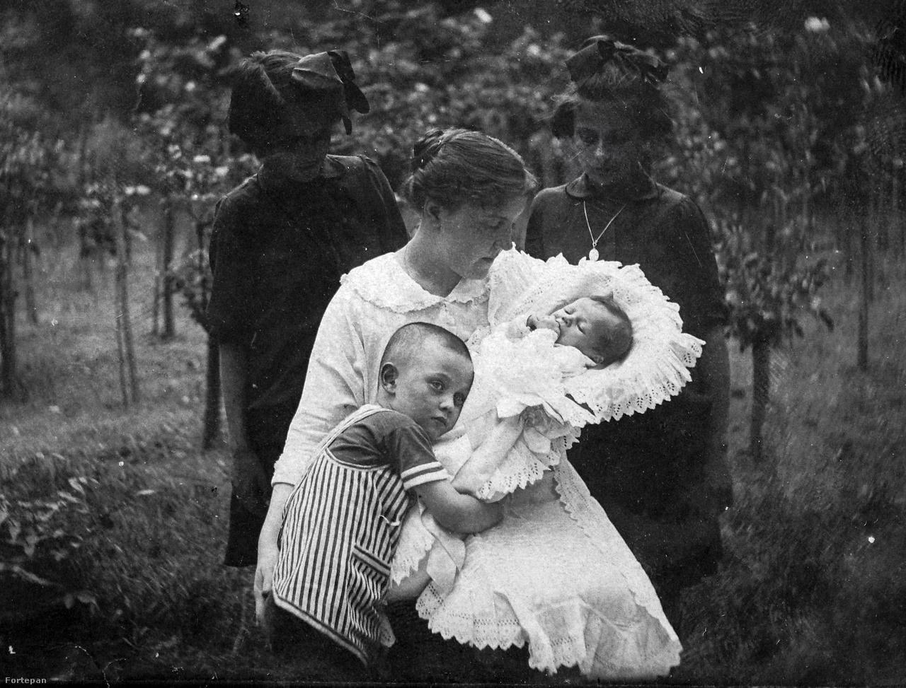 1912.